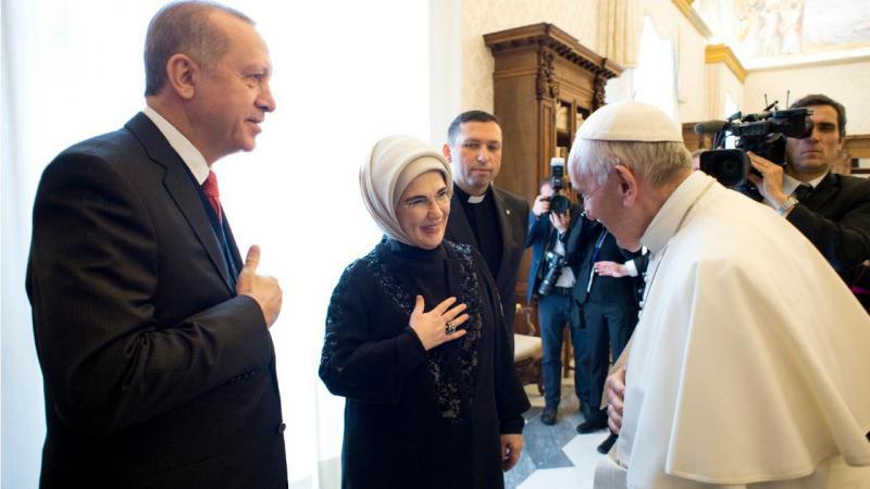 Papa Francisco, presidente turco Erdogan e a mulher Emine