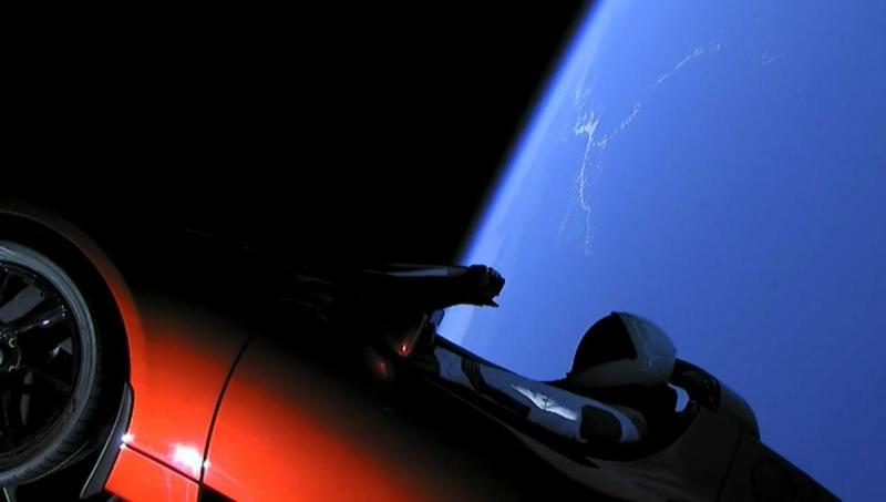 Tesla Roadster com Starman está no espaço (Reprodução YouTube SpaceX)