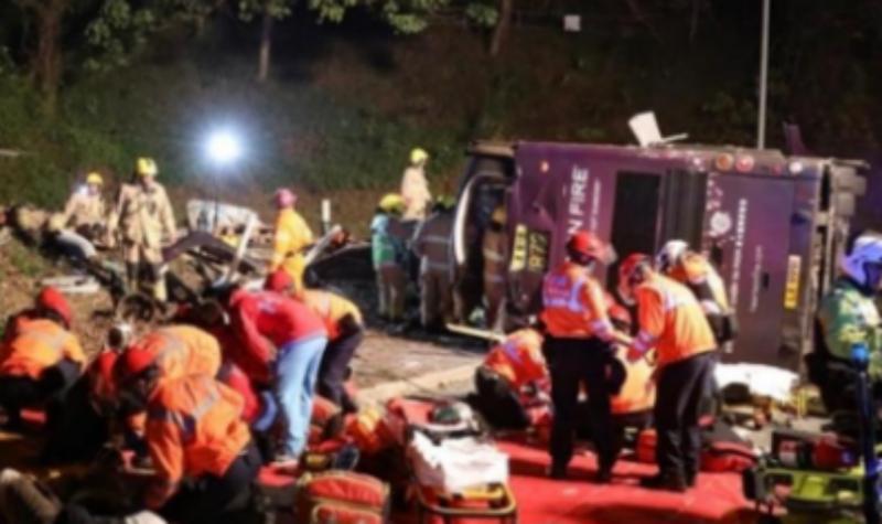 Acidente com autocarro em Hong Kong