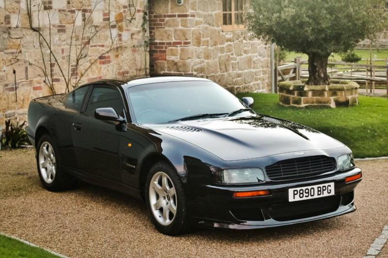 Aston Martin V8 Vantage V550-Manual (imagem site Silverstone Auctions)