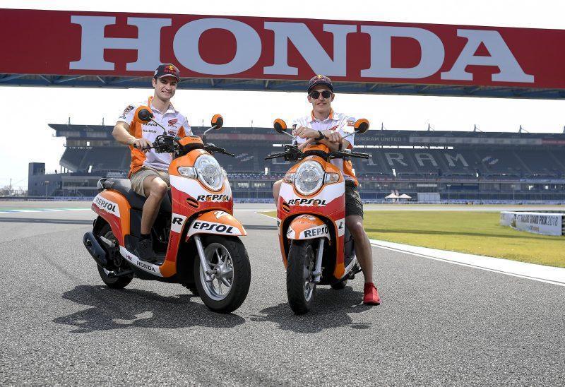 Dani Pedrosa e Marc Márquez no circuito de Buriram, Tailândia