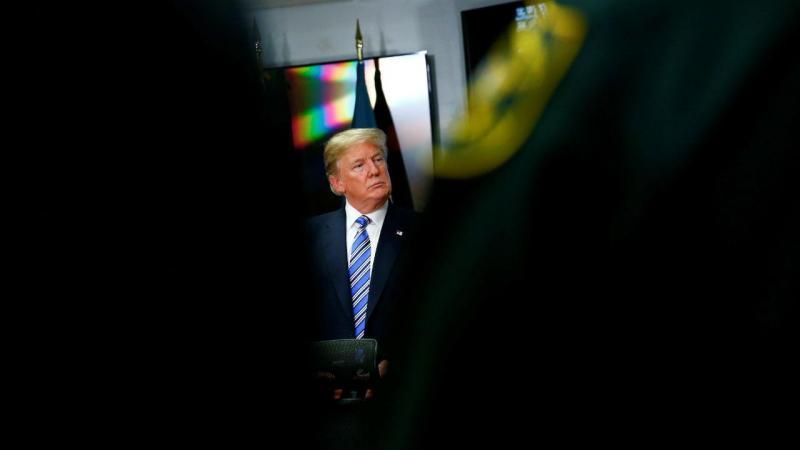 Trump visita vítimas de tiroteio na Florida