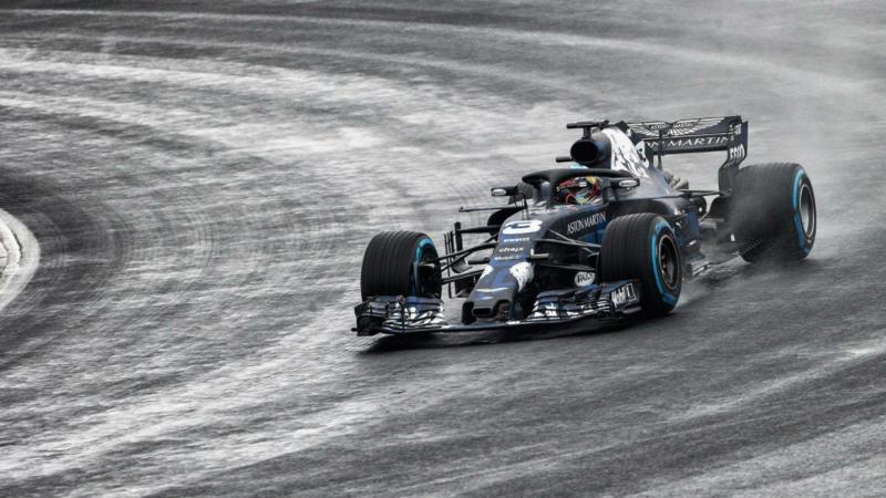 Daniel Ricciardo com o novo RB14 (reprodução Twitter Red Bull Racing)