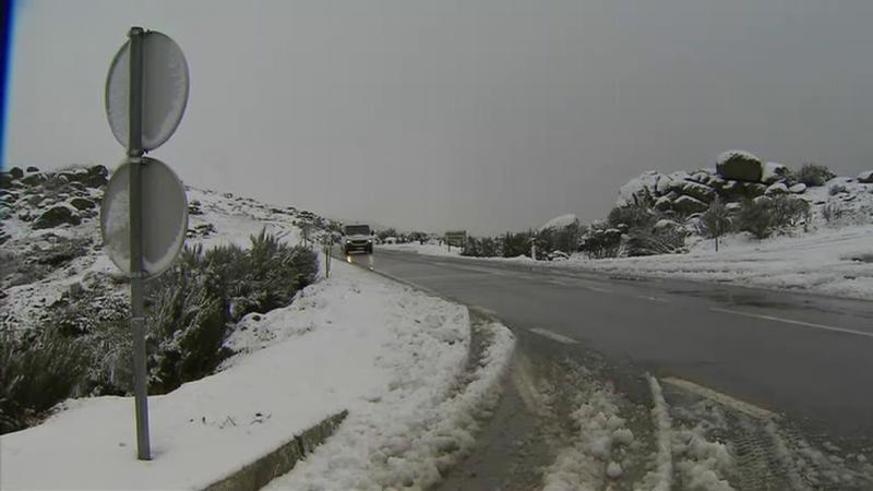 Mau tempo em todo o país e até já há neve nos Açores