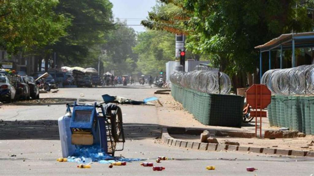 Grupo armado ataca zona diplomática na capital do Burkina Faso