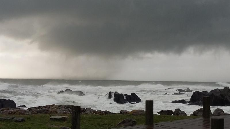 Tornado no mar em Viana do Castelo