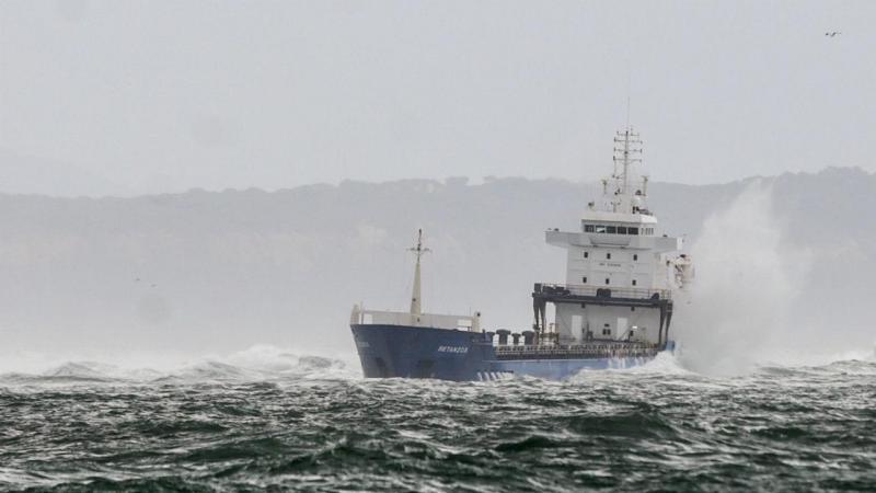 Navio encalhado no Bugio