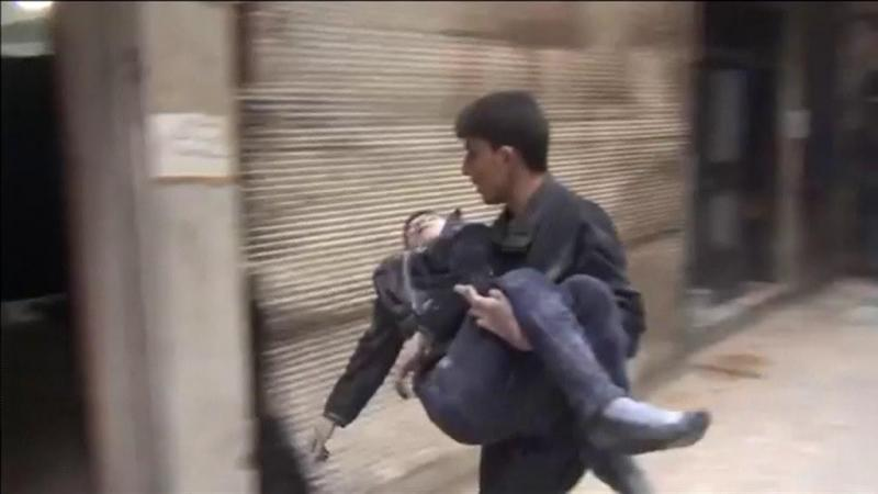 Síria: milhares de civis fogem de território rebelde em Ghuta