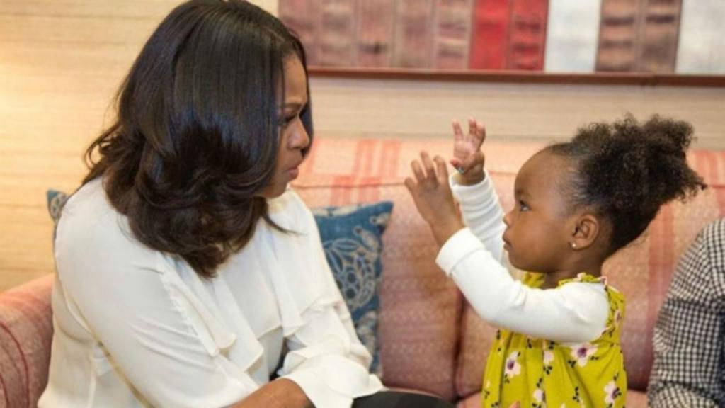 Michelle Obama conhece Parker Curry
