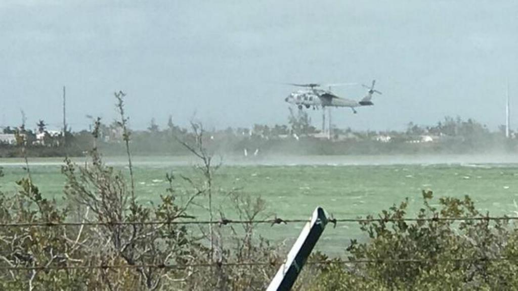 Avião militar cai em Key West, Florida, EUA
