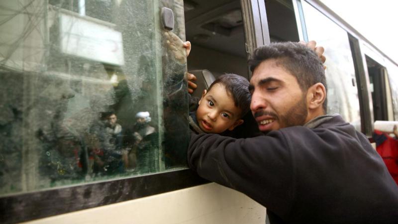 Bombardeio perto de escola na Síria mata 16 crianças, diz ONG