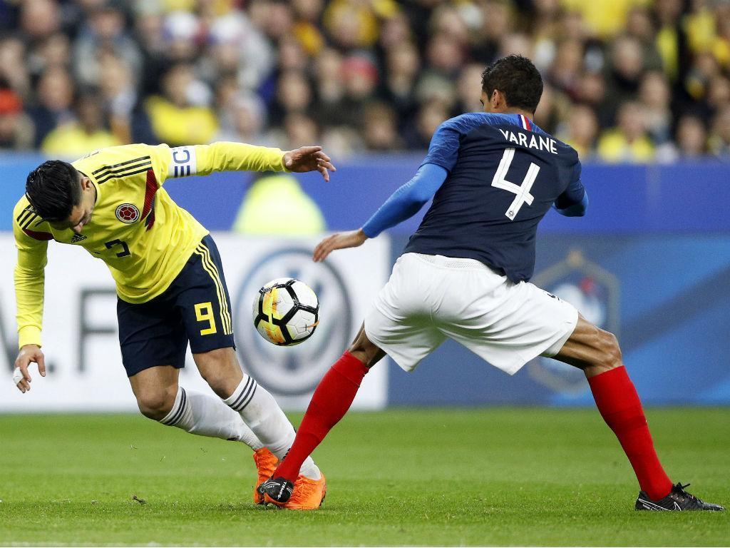 França-Colômbia (EPA/YOAN VALAT)