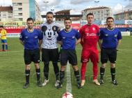 Guarda-redes com camisola do Mickey (foto: CD Calahorra)