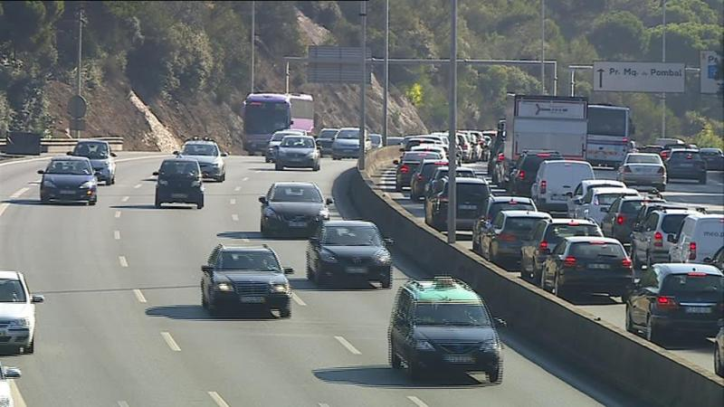 Governo pede à Brisa faixa para autocarros na A5
