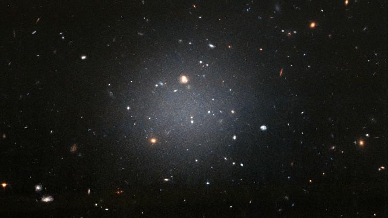 Galáxia NGC 1052-DF2