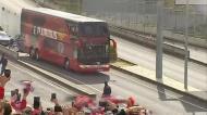 Comitiva do Benfica chega ao Estádio da Luz
