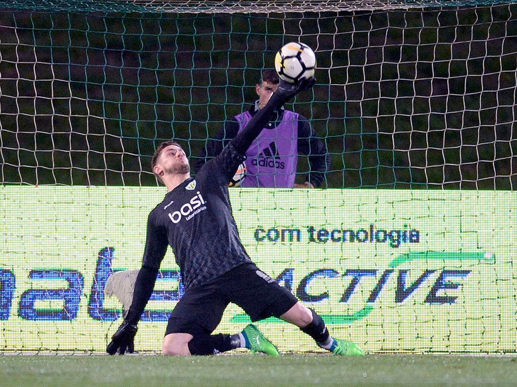 Tondela: Cláudio Ramos em estreia absoluta por Portugal