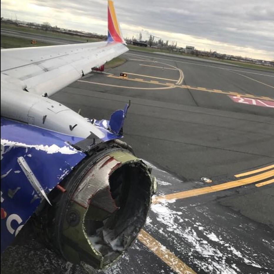 Avião com motor rebentado aterra de emergência em Filadélfia (Estados Unidos)