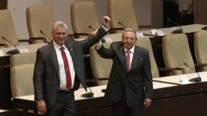 Miguel Díaz-Canel e Raúl Castro
