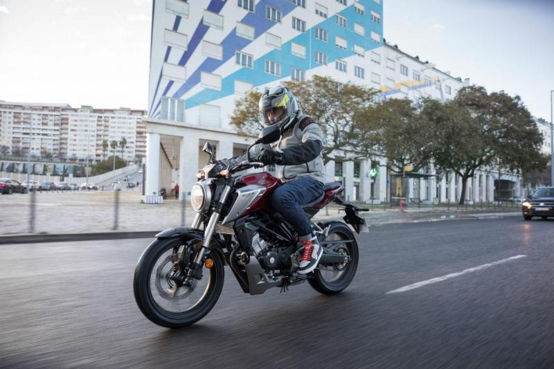 Honda CB125 R (imagem Honda)
