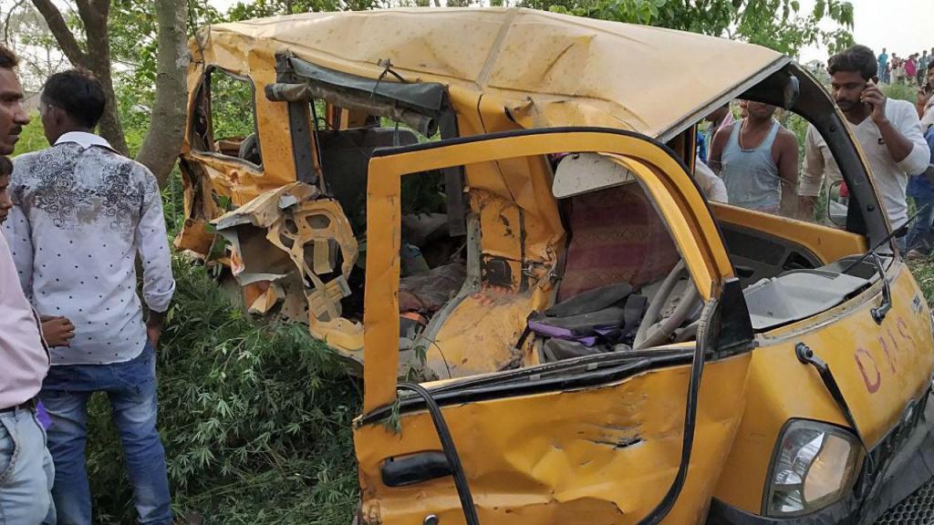 Autocarro onde as crianças iam para a escola