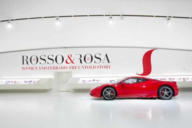 Exposição «Il Rosso & il Rosa» no Museu Enzo Ferrari
