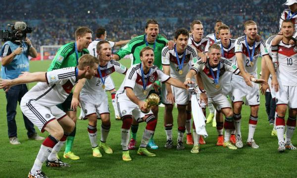 Dossiers  A história do Campeonato do Mundo (2002-2014 ... f8ada1c007592