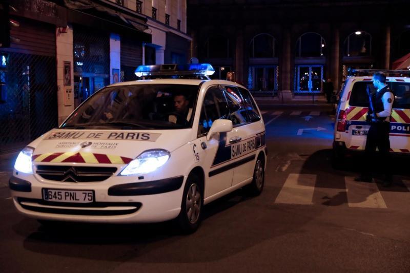 Ataque à faca em Paris