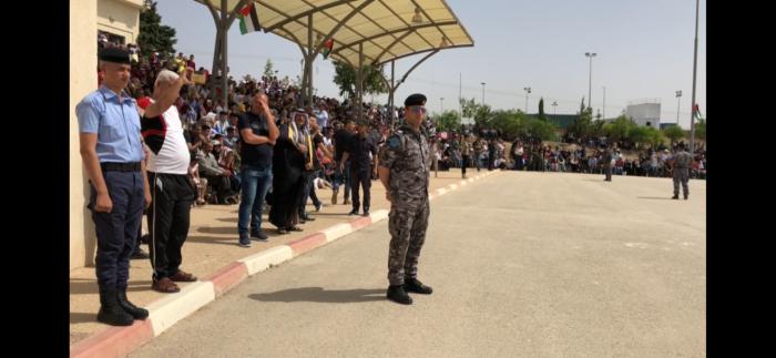 Cerimónia de graduação de agentes da polícia palestiniana em Jericó