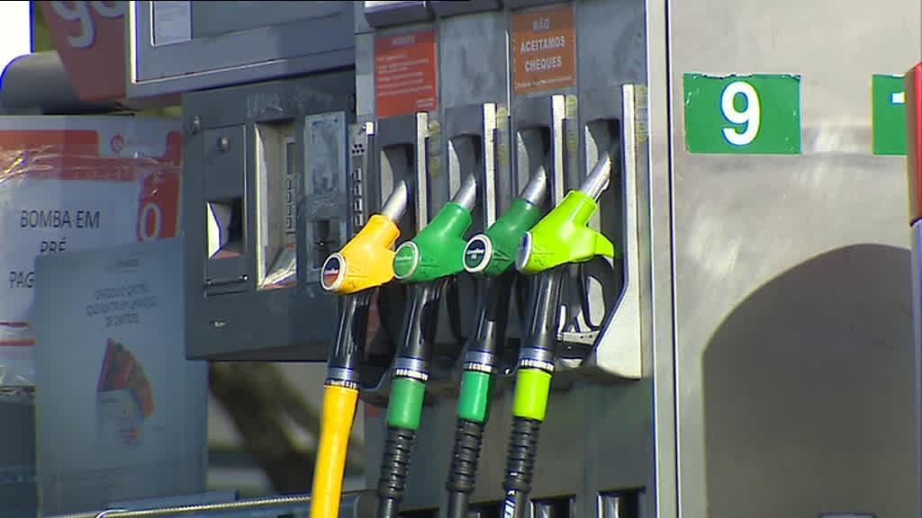 Preços dos combustíveis sobem para máximos de 2014
