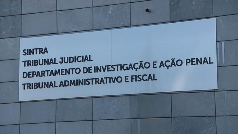 Cova da Moura: 17 agentes da PSP acusados de agressões a jovens começaram a ser julgados