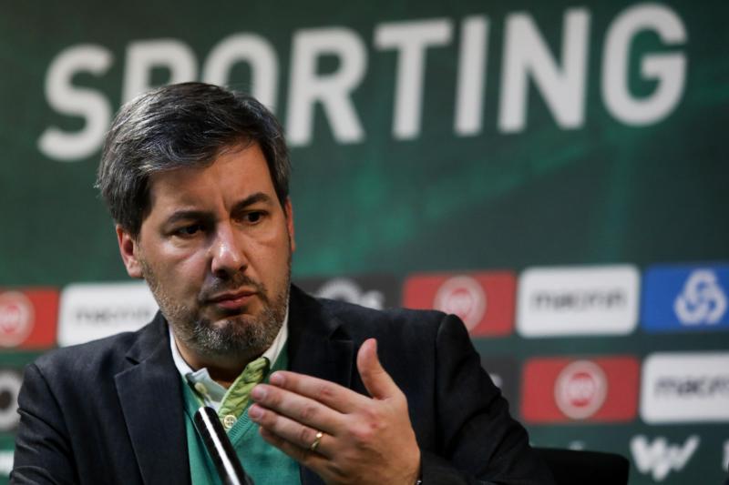 Bruno de Carvalho em conferência de imprensa após a reunião dos órgãos sociais do Sporting