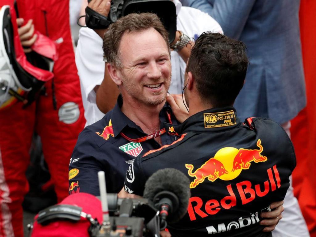 Christian Horner e Daniel Ricciardo (Reuters)