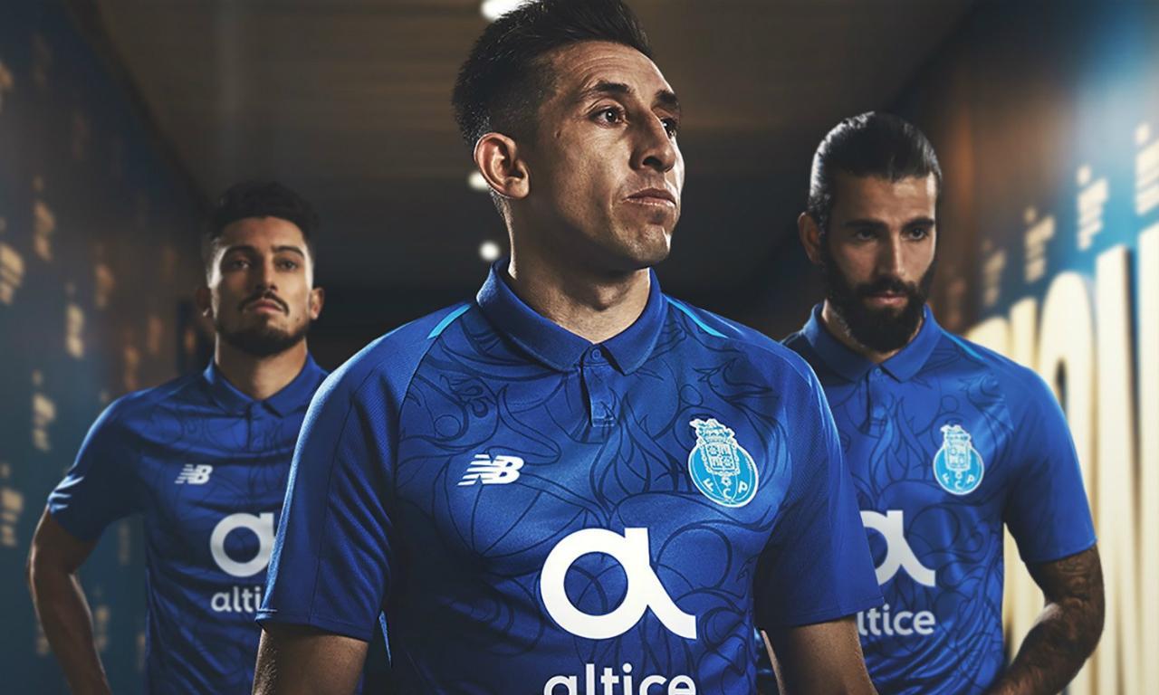 b70b64a029 FC Porto apresenta camisola alternativa inspirada nos 125 anos ...