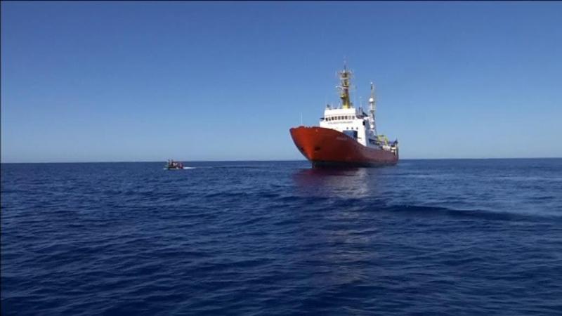 Navio com migrantes: cidade de Palermo desafia ordem do Governo italiano