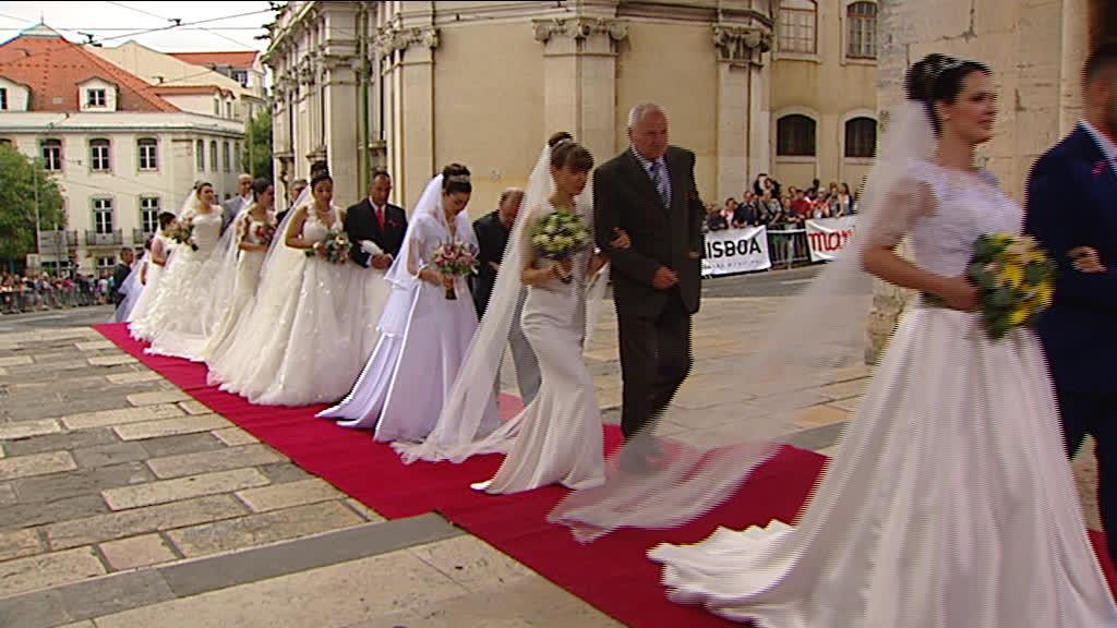 Santo António apadrinhou mais 16 casais de noivos
