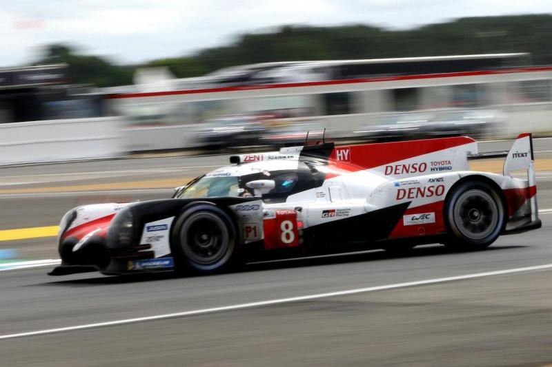 Fernando Alonso com o Toyota #8 (Lusa)