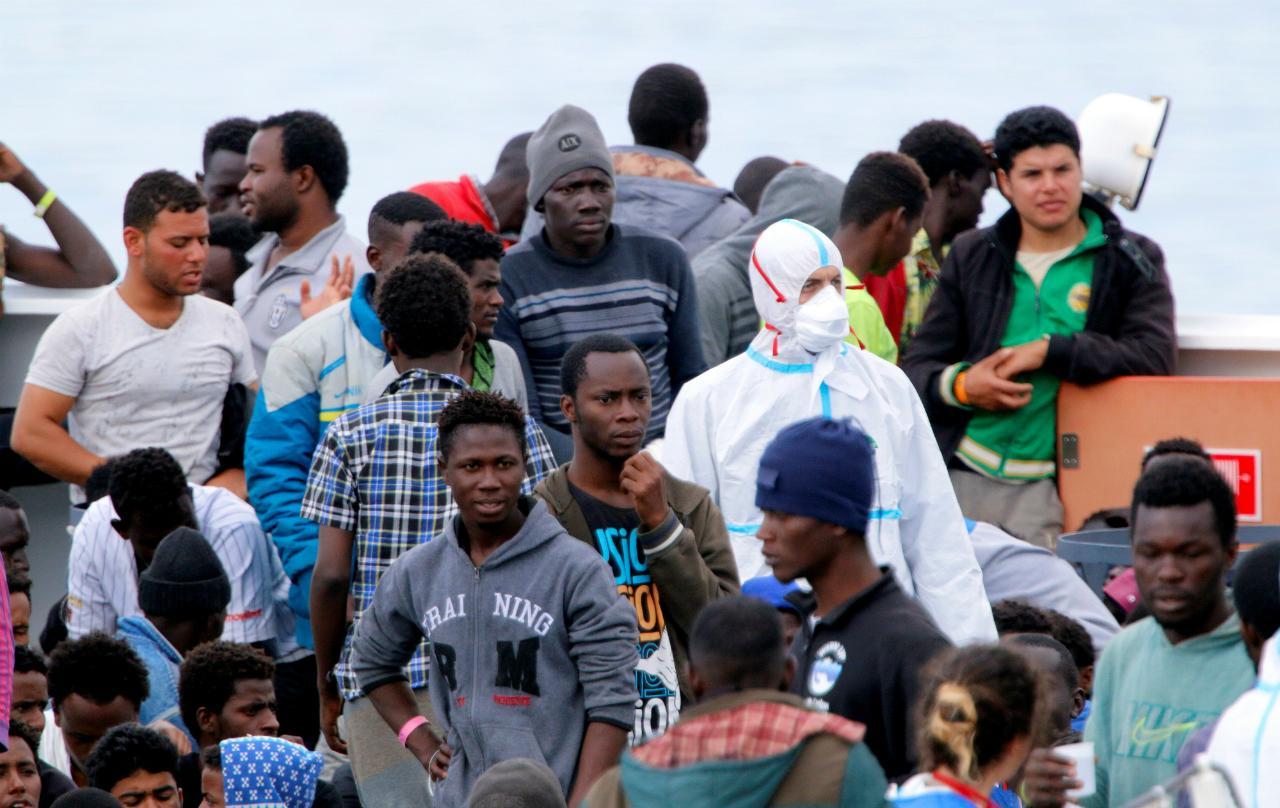 Refugiados na costa italiana