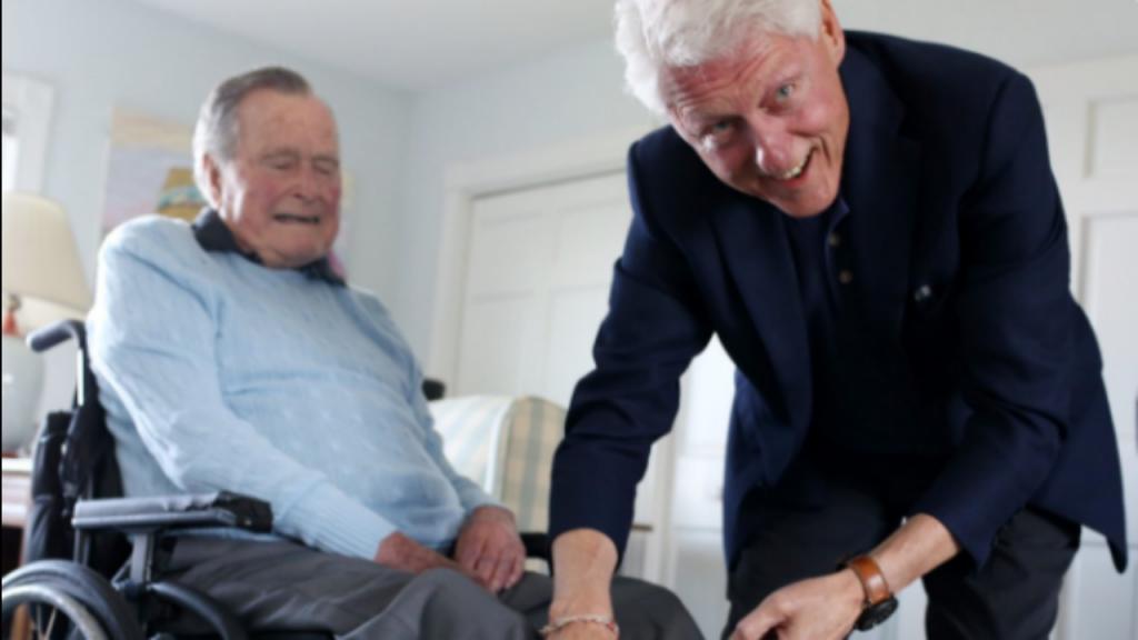 Fotografia viral de George H. W. Bush e Bill Clinton