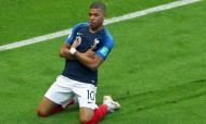 Mbappé venceu a Liga, a Taça e a Supertaça de França, foi eleito o melhor jogador da Liga Francesa e o sexto melhor do mundo para a FIFA. Terminou o ano de 2019 com 40 golos e 15 assistências.