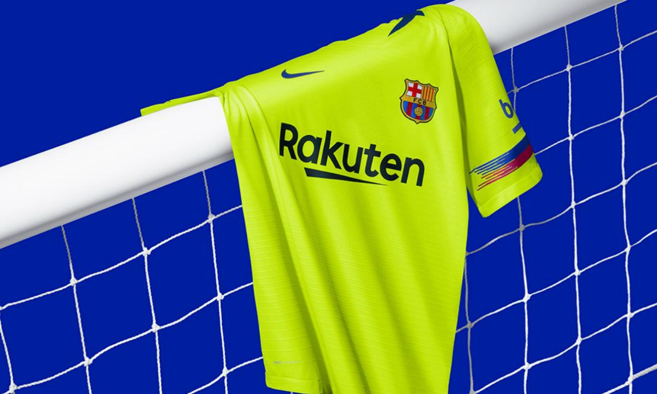 7e3125abc3 Fotos  segundo equipamento do Barcelona usa a «cor da sorte ...