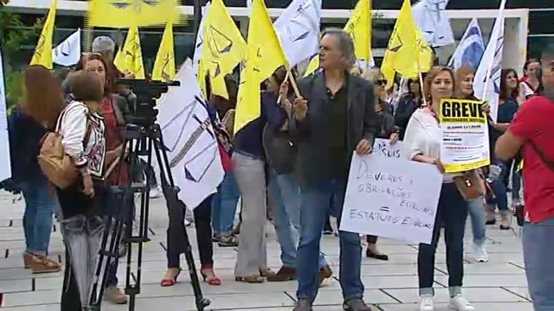 Perto de 20 tribunais fechados no segundo dia de greve dos oficiais de justiça