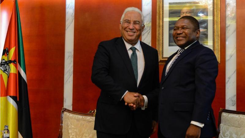 António Costa, acompanhado pelo Presidente da República de Moçambique, Filipe Nyusi