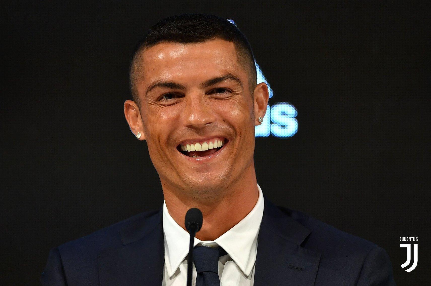 Mateo foi ao estádio ver o pai, Cristiano Ronaldo