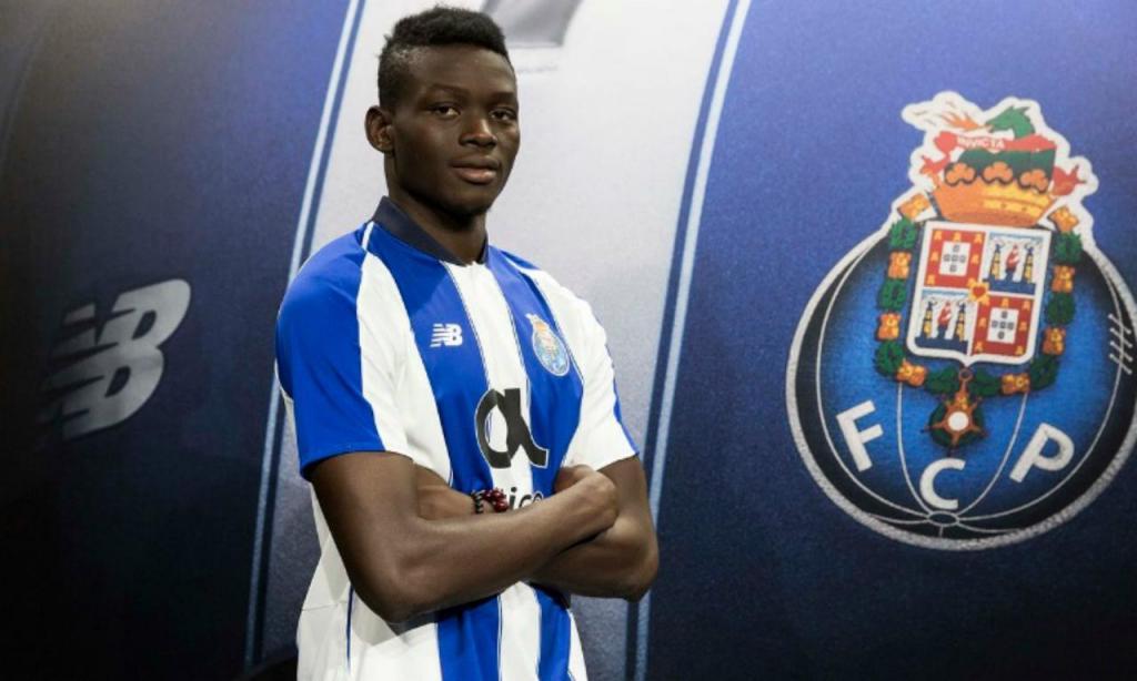 Marius Mouandilmadji (site oficial do FC Porto)