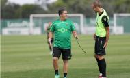 Bruno, Dost e Acuña de volta a Alcochete (foto: SCP)