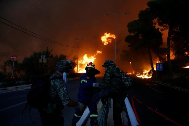 Incêndio em Rafina, perto de Atenas (Grécia)