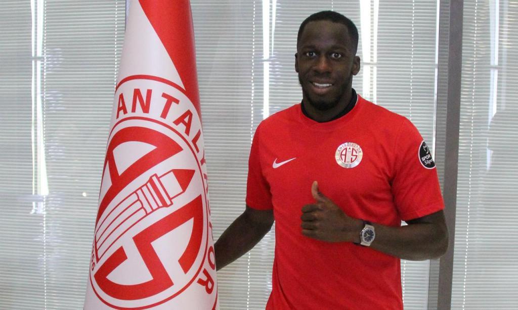 Aly Cissokho (site oficial Antalyaspor)