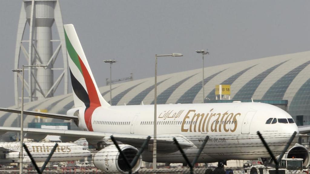 Avião da companhia aérea Emirates