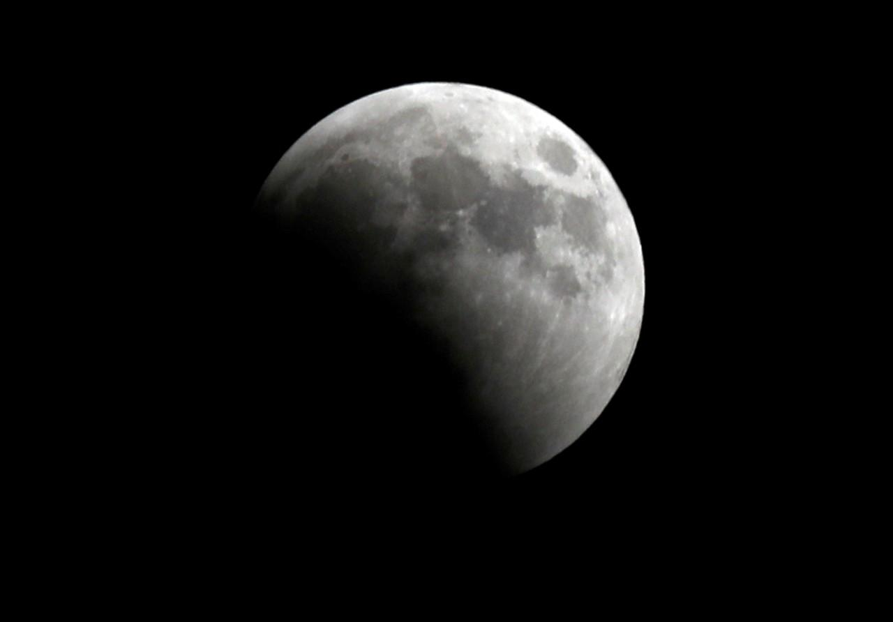 O mais longo eclipse total da Lua do século